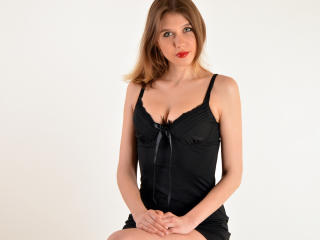 Picture of the sexy profile of CradleOfLove, for a very hot webcam live show !