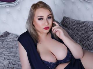 Katerinne live BDSM sex show